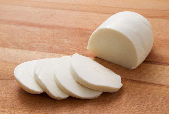 استفاده از کلسیم کلراید در پنیر موتزارلا