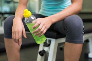 دکستروز در نوشیدنی ورزشکاران چه عملکردی دارد؟