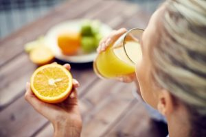 علائم کمبود اسید اسکوربیک( ویتامین C) در بدن