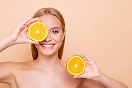 اسید اسکوربیک (ویتامین C) چه نقشی روی پوست دارد