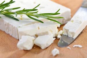 کلرید کلسیم در پنیر