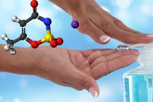 رابطه ی بین آسسولفام و ماده ضد عفونی کننده دست